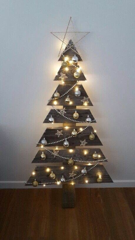 Drill Holes For Lights Pallet Christmas Tree Creative Christmas Trees Pallet Christmas