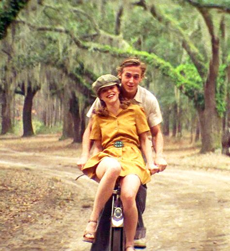 romantic movies Famous people ride bikes too Film Aesthetic, Retro Aesthetic, Iconic Movies, Good Movies, 90s Movies, Indie Movies, Drama Movies, Classic Movies, Old Fashioned Love