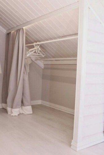 23 Super Ideas Bedroom Storage Ideas Closet Sloped Ceiling Bedroom Wnetrza Wnetrza Domow Ukryte Pomieszczenia
