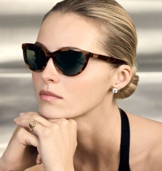 6d8e173ac379 cat-eye glasses..this would fit nicely to round face because the edge of  the glasses do not surpass the side of the face. So it won t make the face  wider ...