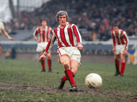 26th March 1977. Sheffield United legend Alan Woodward scoring from the penalty spot against Fulham.