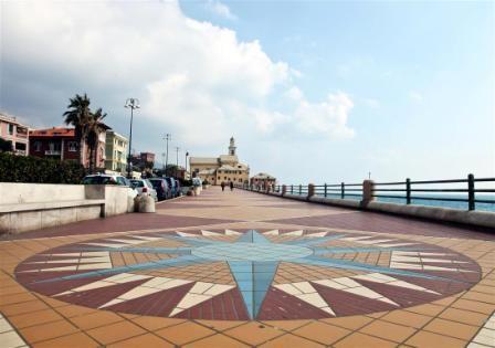 Corso Italia è una delle principali arterie di Genova. Si sviluppa lungo un percorso di 2.200 metri circa, interamente affacciato sul mare......