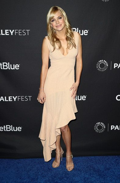 Actress Anna Faris of the television show 'Mom' attends The Paley Center for Media's 35th Annual PaleyFest Los Angeles at the Dolby Theatre.