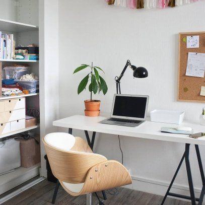 Chaise De Bureau A Roulettes Blanc Et Noyer Bent In 2020 Bureau Design Chair Bend Chair