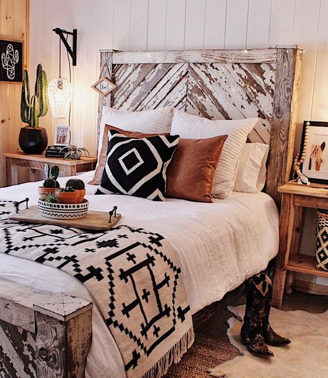Western boho - Western Home Decor Living Room Home Bedroom, Bedroom Furniture, Master Bedroom, Bedroom Ideas, Bedroom Designs, Modern Bedroom, Cabin Furniture, Furniture Shopping, Furniture Online