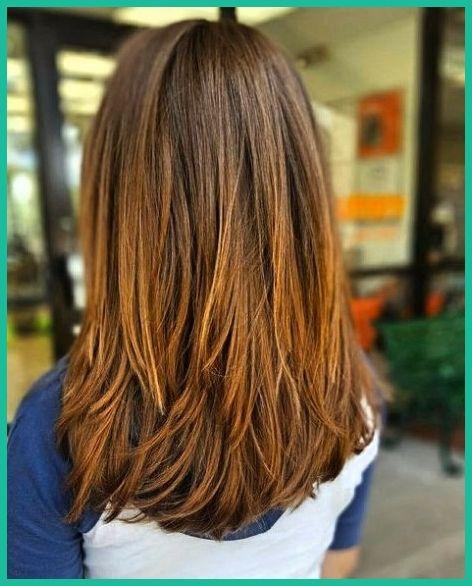 Mittellange Unregelmassige Stufen Haarschnitt Haarschnitt Mittellange Haare Schulterlange Haarschnitte