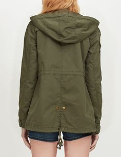 This anorak jacket with hood and drawstring waist is the perfect outerwear for this fall. Wear it with denim jeans for an instant edgy look. Feature - Lining: 100% Polyester; Outer Shell: 100% Cotton - Hardware snap buttons / Zip up closure - Front pockets for convenience - Adjustable drawstring on waist, hood and bottom hem - Hand wash cold water / Do not bleach / Hang dry - Please look at the measurements below for guidance Sizing Info - Small- Bust: 36in Shoulder: 15in Sleeve: 24in Length: 26