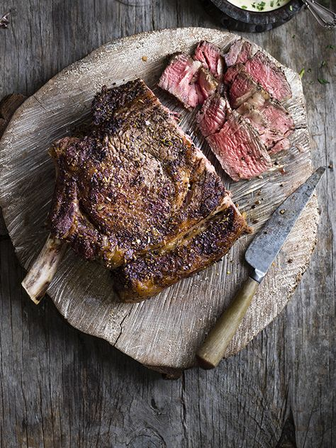 This salt and pepper côte de boeuf with easy béarnaise sauce looks really impressive but is easy to make. Perfect for a show-stopping main.