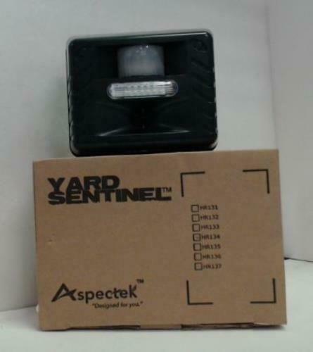 New Aspectek Yard Sentinel Hr134 Strobe Ultrasonic Pest Repeller 92 15 Bids