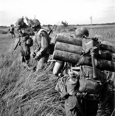 Vietnam, Dec, 1967, 25th Infantry Division, 9th Regiment, 4th BN, C Company. Recoiless Rifle team preparing to go on a air assault to the Cambodian border..