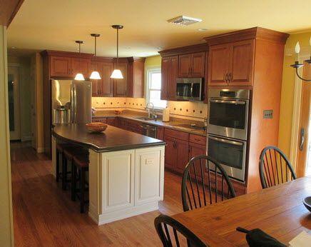 Kitchen Remodel In Kennett Square, PA, Featuring Timberlake Rushmore  Cabinets, Maple Cream Island, And Chroma Nirvana Quartz Countertops.