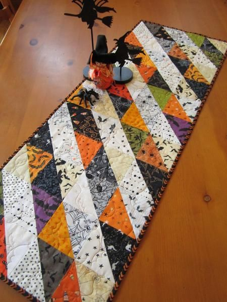 Table Mountain On Halloween 2020 Patchwork Mountain Quilts in 2020   Halloween table runners