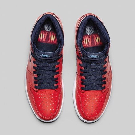 d3d139526a76 The Air Jordan 1 David Letterman is a nod to the tracksuit that Michael  Jordan wore on his first appearance on the David Letterman show which he  also ...