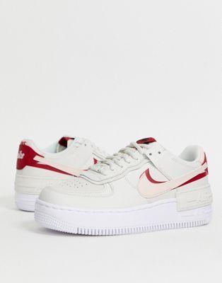 Nike Air Force 1 Shadow Sneaker In Gebrochenem Weiss Und Rosa Nike Air Force Nike Air White Air Force 1