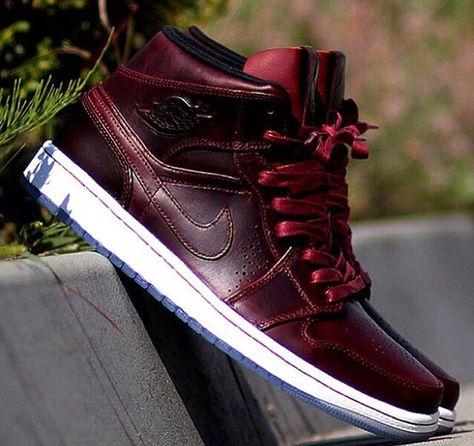 best sneakers 24a9e 19332 Airjordan 1 mid nouveau