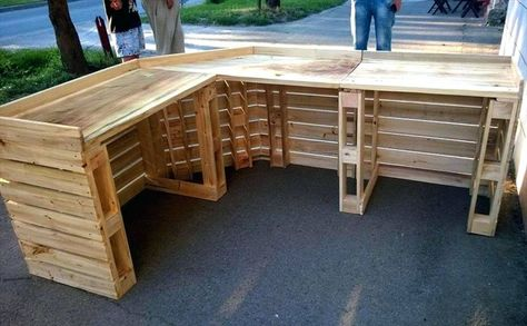 Outstanding Create Fantastic Home Easily With 25 Extraordinary DIY Wooden Pallet https://dexorate.com/create-fantastic-home-easily-with-25-extraordinary-diy-wooden-pallet/