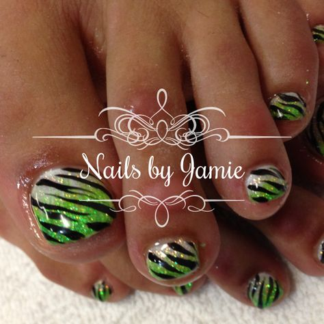 Zebra Nails by Jamie Duffield Eugene, Oregon 541-556-8337 To book an appointment go to: www.styleseat.com/jamieduffield