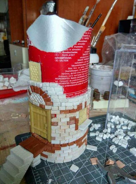 Broken tower from Pringles can - Imgur