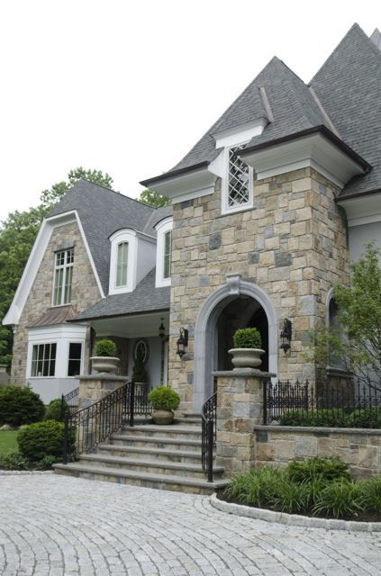 Pin By Lnzjnz On Finals Stone Houses House Exterior Stone Veneer