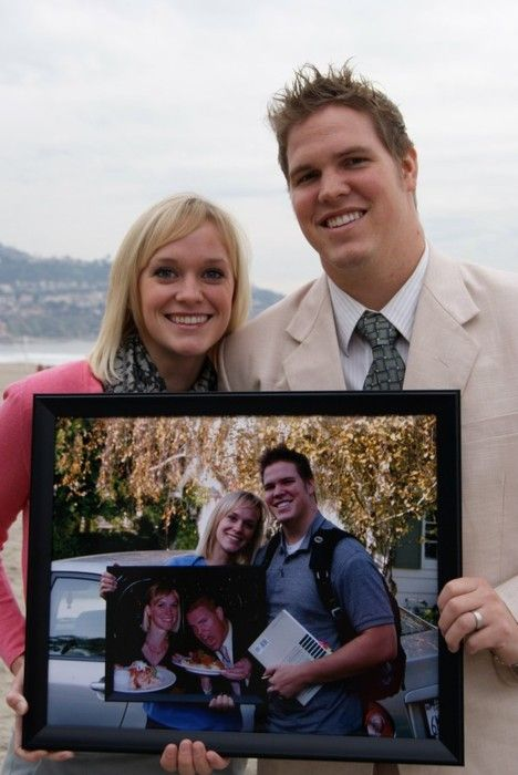 On each anniversary, the couple takes a picture of them holding the previous year's picture. Awesome idea!