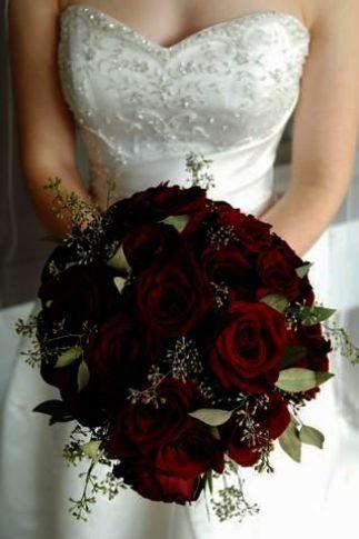 Wedding Flowers Online Cheap On Wedding Invitations Layout Wedding Invitations Samples Via Wedding V Red Bouquet Wedding Red Rose Wedding Rose Wedding Bouquet