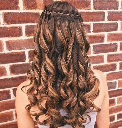 18 Stunning Curly Prom Hairstyles for 2019 - Updos, Down Do's & Braids! - - # waterfall Braids curly 18 Stunning Curly Prom Hairstyles for 2019 – Updos, Down Do's & Braids! - New Site Curly Hair Styles, Curly Prom Hair, Braids For Long Hair, Natural Hair Styles, Natural Curls, Braids For Prom, Summer Braids, Cute Prom Hairstyles, Box Braids Hairstyles