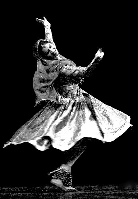 Bharatnatyam Dance Of India Dance Poses Kathak Dance