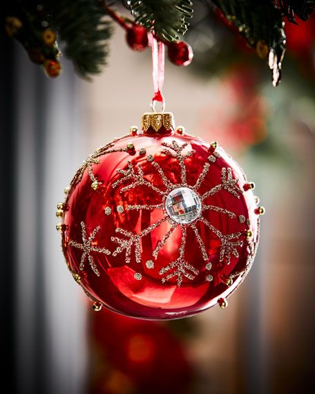 19 Classic Red Christmas Decorations That Are Timeless Red Christmas Decor Christmas Ornaments Christmas Crafts Decorations
