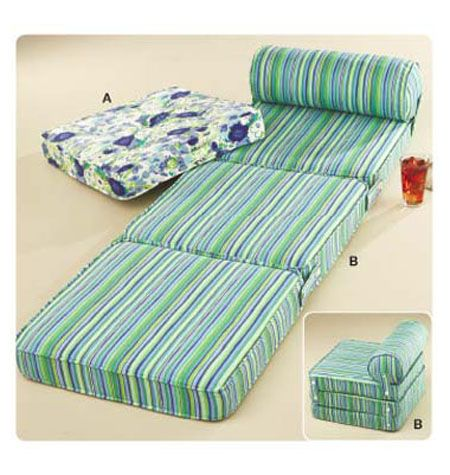 K3591 this is great to keep at the grandparents' house. my grandmother had one and i slept on it in my parents' room when i was little, then i moved to a big girl bed and my brother used it. need to make one for Qman