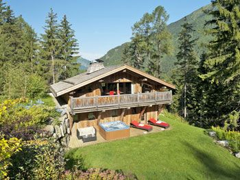 Chalet Neve. An Alpine Chalet Sleeping Up To 4 People With An Outdoor  Jacuzzi.