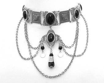 collier ras de cou medieval