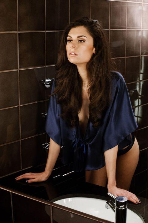 gorgeous boudoir pose (Hannah Bed Jacket by Ayten Gasson) #boudoir