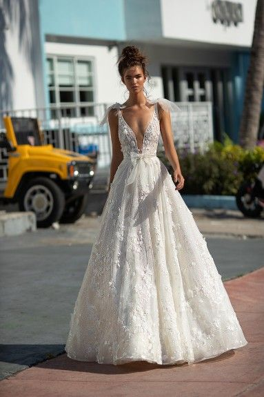 S S 2019 Berta Sleeveless Wedding Gown With Bow Deep V Neck