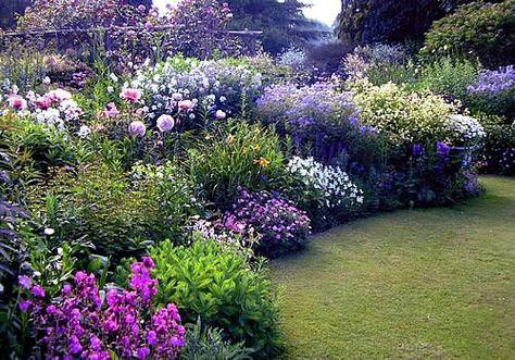 Blumen Garten Gestaltung im Landhausstil Garten Pinterest - garten blumen gestaltung