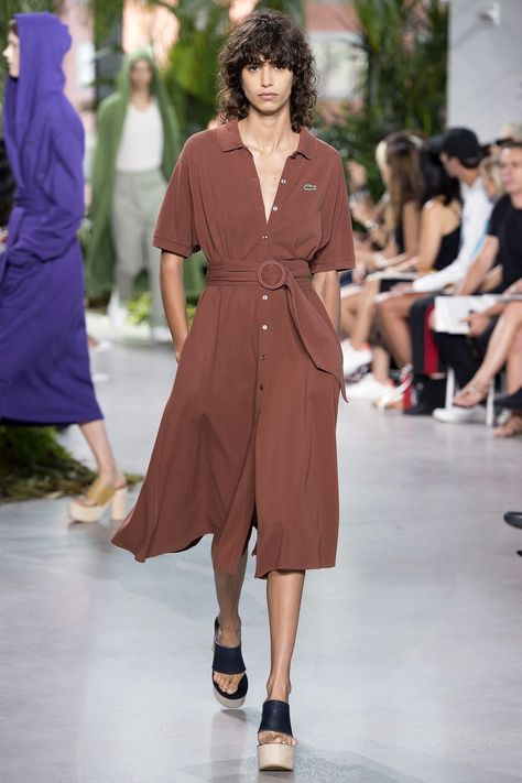 Lacoste Spring 2017 Ready-to-Wear collection, runway looks, beauty, models, and reviews.
