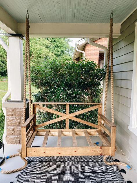 Farmhouse Porch Swings, Farmhouse Front Porches, Front Porch Swings, Front Porch Furniture, Southern Front Porches, Diy Porch, Diy Front Porch Ideas, Front Porch Makeover, Building A Porch