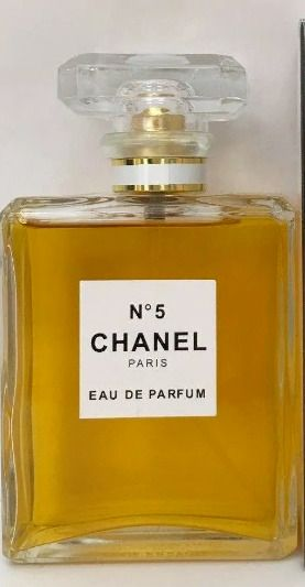 Dating Chanel no 5