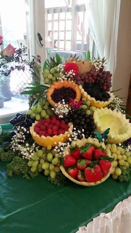 Mas Reciente Fotografias Postres Frios Decoracion Estilo Cascading Fruit Platter El Secto In 2020 Fruit Platter Ideas Wedding Fruit Buffet Food Displays