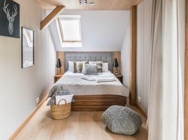 Mała Sypialnia Na Poddaszu Z Oknem Dachowym 55858