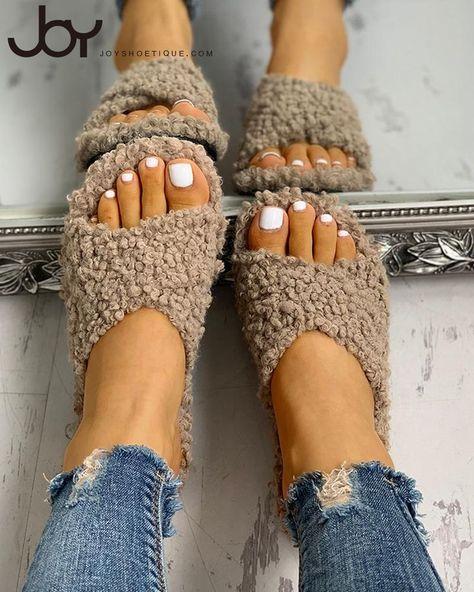Solid Fluffy Crisscross Design Flat Sandals - #Crisscross #Design #Flat #Fluffy #sandals #Solid