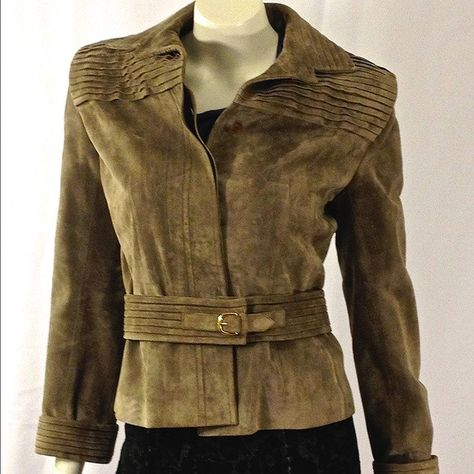 1303d667f Gucci Suede/Leather Jacket with Belt Size US 2 (EU 42). This GUCCI Suede  jacket is so luxurious , soft and absolutely beautiful.