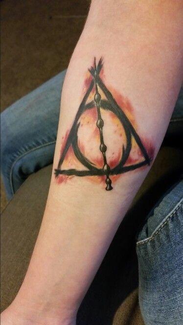 Mein Perfektes Harry Potter Tattoo Das Symbol Der Heiligen Heiligtumer Today Pin Harry Potter Tattoos Harry Tattoos Tattoos
