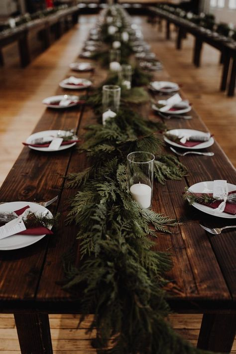 Winter wedding table - Timeless Got a Chic Update in This Yale Union Wedding – Winter wedding table Christmas Wedding Decorations, Winter Wedding Centerpieces, Wedding Table Decorations, Vintage Christmas Wedding, Wedding Table Garland, Wedding Tables, Wedding Favors, Centerpiece Ideas, Christmas Wedding Bouquets