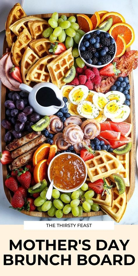 This epic Mothers Day brunch board is full of your favorite breakfast and brunch ideas all on one charcuterie board. Its easy to make for all holidays includes waffles fruit and more! Fathers Day Brunch, Mothers Day Dinner, Mothers Day Breakfast, Breakfast And Brunch, Charcuterie Recipes, Charcuterie And Cheese Board, Cheese Boards, Brunch Menu, Brunch Recipes
