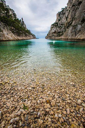 Calanque d'En-vau... la plage de caillou (par guitou2mars)