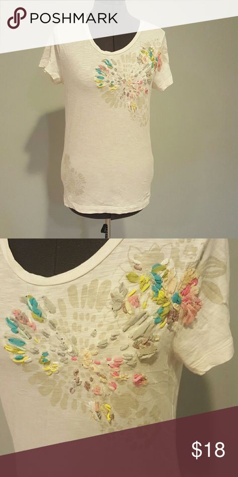 074d3a4789b J.Crew textured tee So cute and artsy! Tshirt with really cool detailing.  The pictures say it all! J. Crew Tops Tees - Short Sleeve