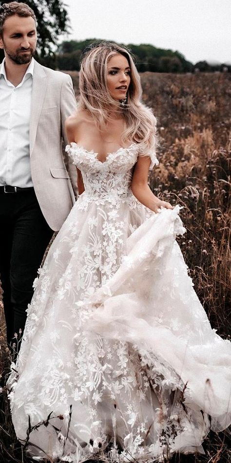 21 Princess Wedding Dresses For Fairy Tale Celebration | Wedding Dresses Guide Wedding Dress Sleeves, Long Wedding Dresses, Princess Wedding Dresses, Cheap Wedding Dress, Gown Wedding, Wedding Cakes, Wedding Rings, Fairy Wedding Dress, Vintage Dress Wedding