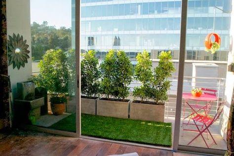 Una Buena Idea Pon Cesped Artificial En Tu Terraza Balcones Con Plantas Decoracion De Terrazas Pequenas Cesped Artificial Terraza