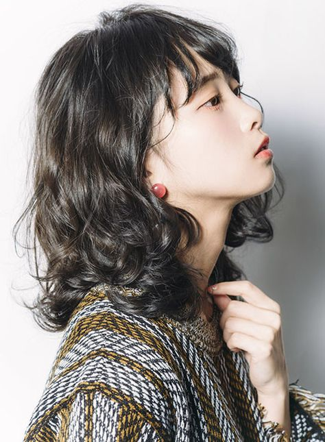 ボブ イルミナカラー スモーキーアッシュ Minx Harajukuの髪型 ヘア