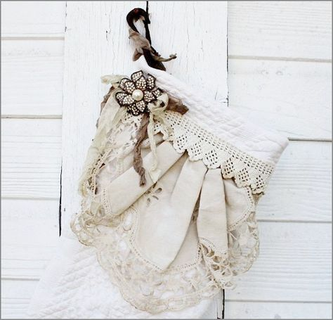 Katie's Rose Cottage: Love this stocking!